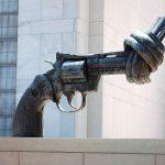 WARKEEPING: Commercio di armi, crisi e profughi